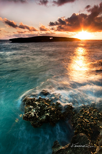ocean motion water point island hawaii pacific salt lion tranquility wave reef puka laie