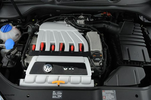 vw golf r32 mk5 3 2 litre v6 engine a photo on flickriver. Black Bedroom Furniture Sets. Home Design Ideas