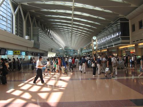 羽田空港(出発ロビー)