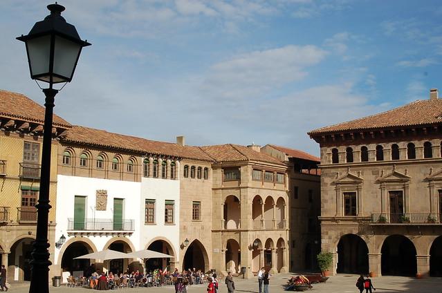Испанская деревня. Poble Espanyol