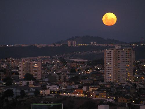 Luna azul en año nuevo by Miradas Compartidas