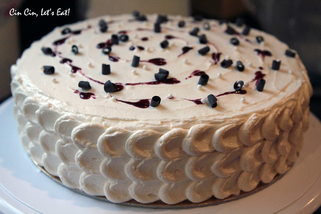 Buttermilk Cake with Blackberries and White Chocolate ...