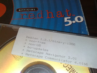 Debian 1.3.1 ja Redhat 5.0
