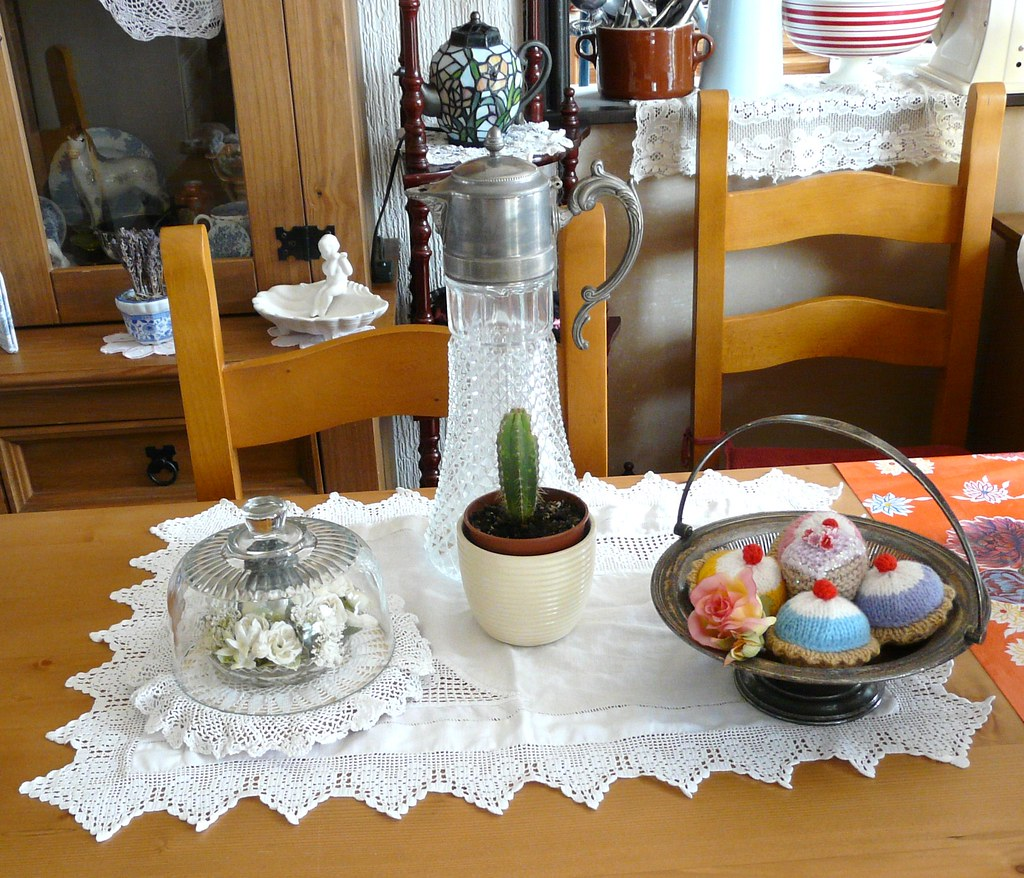 A little dining table vignette