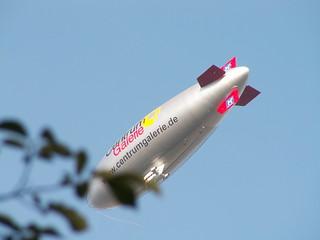 fühlte er den Zeppelin schon schwebend im Weltenraum über Dresden 068
