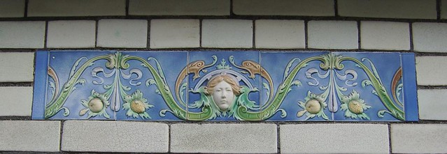 Ceramique Bruxelles Art Nouveau Decor Fleur
