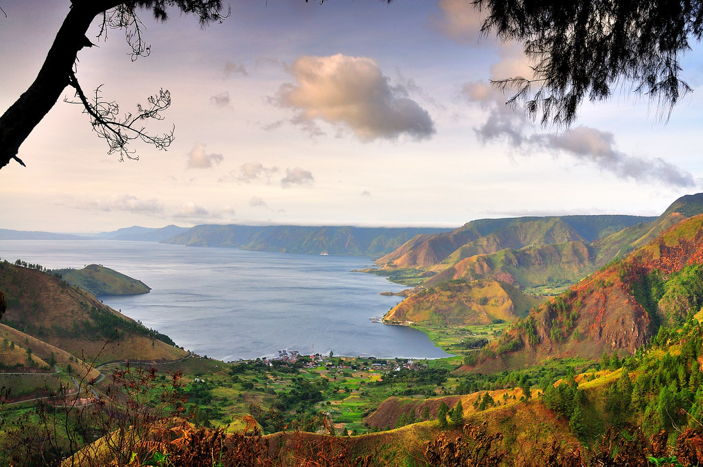 view Tongging, Danau Toba