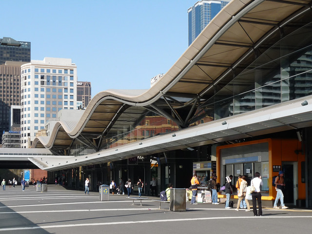 southern cross station melbourne 3 the walkway at. Black Bedroom Furniture Sets. Home Design Ideas