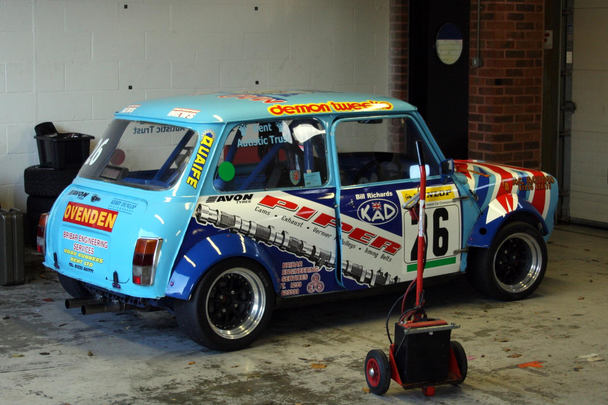 House of classic minis page 99 motoring underground for House hits 88