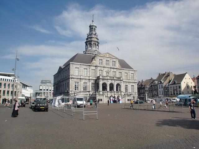Maastricht city hall flickr photo sharing - Maastricht mobel ...