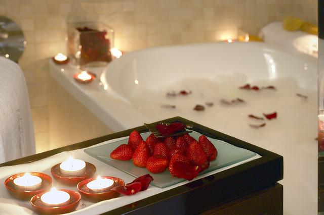 Romantic jacuzzi hotel hesperia tower barcelona spain w flickr photo sharing - Imagenes de decoracion de habitaciones romanticas ...