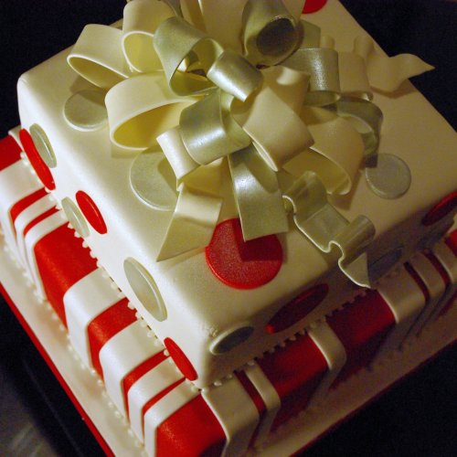 Holiday / Christmas Cake with Fondant Bow Flickr - Photo ...