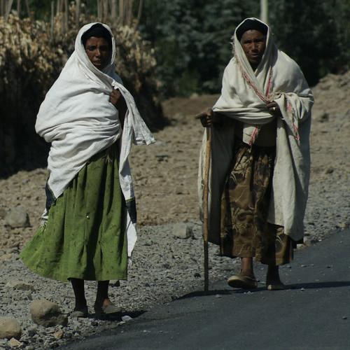 Women in Addis Ababa (photo: fiverlocker, flicker)