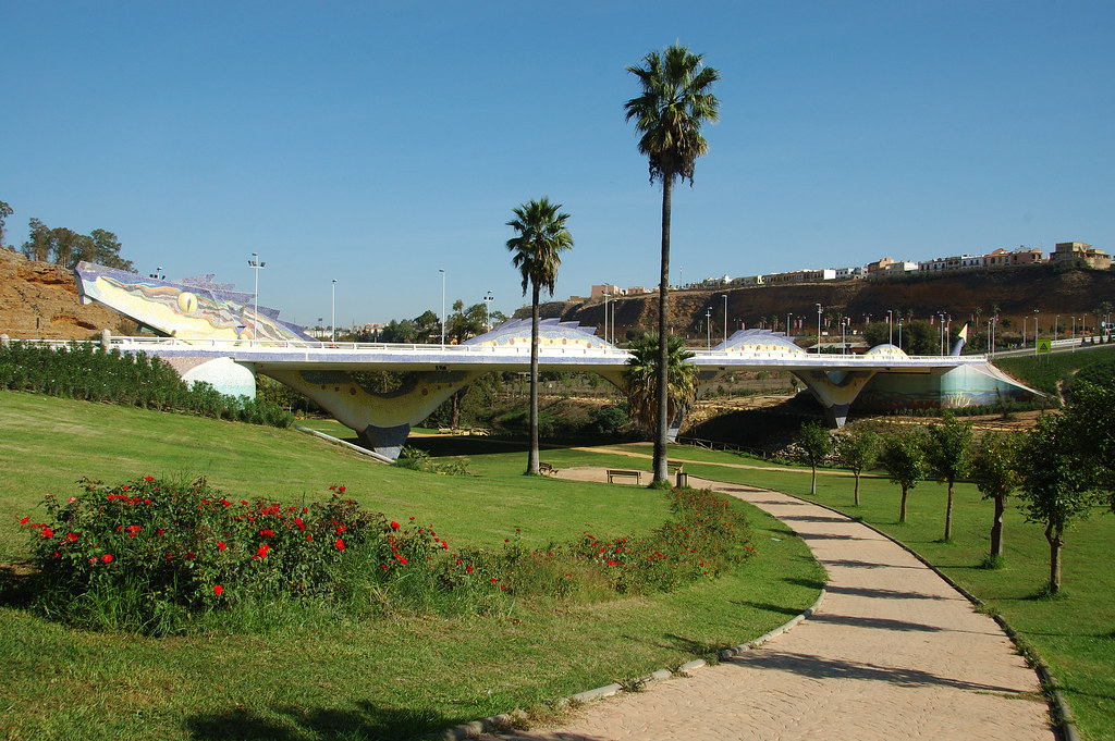 http://www.panoramio.com/photo/117482574