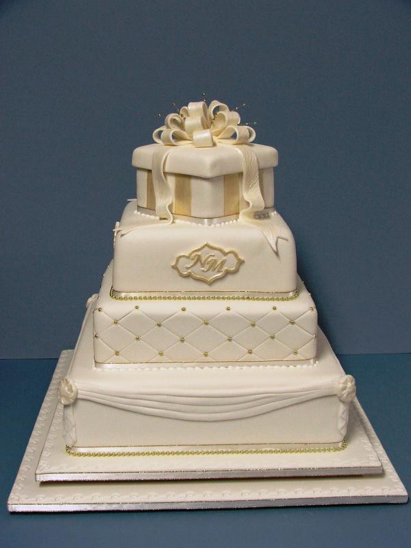Cake Decorating Course Toowoomba : Elaboarte three tier wedding cakes Toowoomba Wedding ...