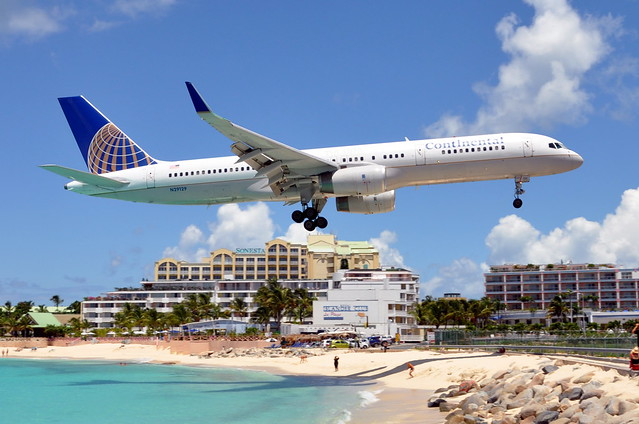 Continental Air Lines - Boeing 757-200 - N29129 - Princess Juliana International Airport, St. Maarten (SXM) - September 12, 2009 236 RT CRP WM