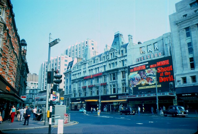 1976 - London - Tottenham Court Road - Dominion Theatre