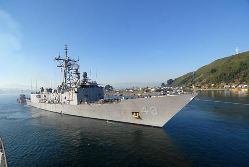 USS Thach (ffg43)