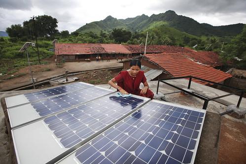 Инвестиции в солнечную энергетику в Индии выросли в семь раз.