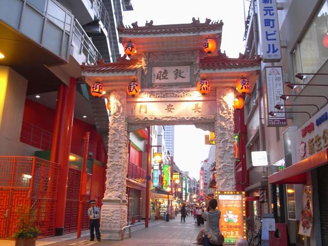 神戸南京町(中華街) 01 神戸の中華街として知られている「南京町」。その入り口に立っている長安門。横浜・長崎と