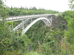 suspension bridge(0.0), canopy walkway(0.0), truss bridge(0.0), rope bridge(0.0), rolling stock(0.0), arch bridge(1.0), viaduct(1.0), bridge(1.0),
