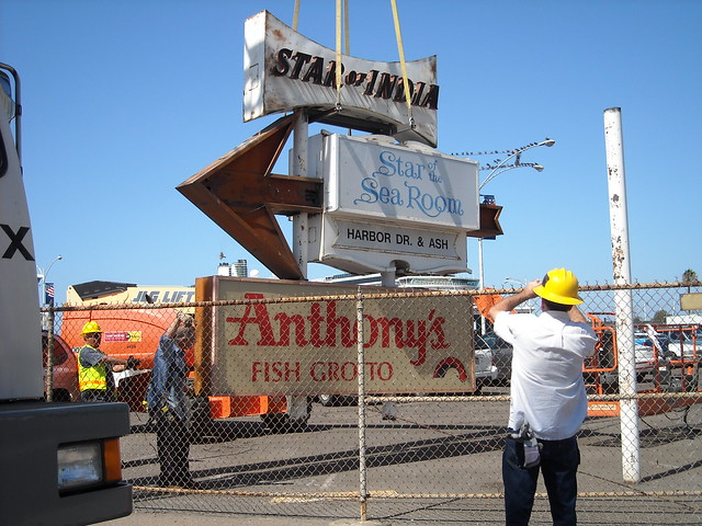 Historic san diego sign leaves bayfront for new home for Anthony s fish grotto san diego