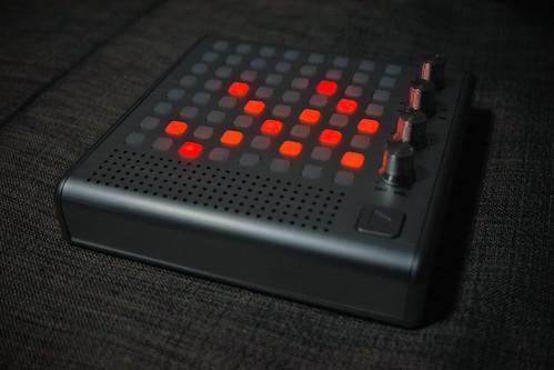 091206_0206_Bliptronic_5000_LED_Synthesizer by ma3ru3