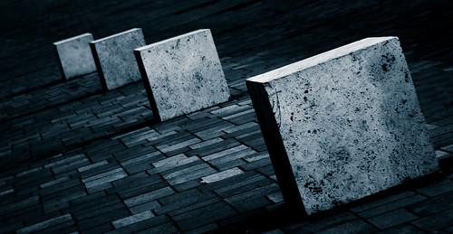 blue monochrome rock stone cube vác vadkörte