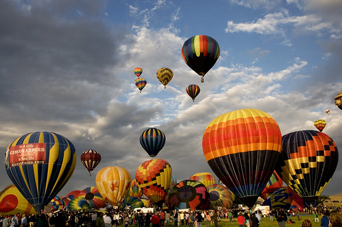 color sunrise dawn colorful nevada reno rise hotairballoons crowds ascension renoballoonraces