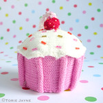 Knitted cupcake