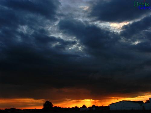 denisgiles canon powershots3 chatham ontario canada sunset storm clouds sky dark light sun blue trees orange