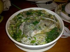 bakmi(0.0), noodle(1.0), bãºn bã² huế(1.0), chankonabe(1.0), noodle soup(1.0), kuy teav(1.0), pho(1.0), food(1.0), dish(1.0), soup(1.0), cuisine(1.0), nabemono(1.0),