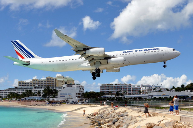 Air France - Airbus A340-300 - F-GLZN - Princess Juliana International Airport, St. Maarten (SXM) - September 12, 2009 411 RT CRP WM