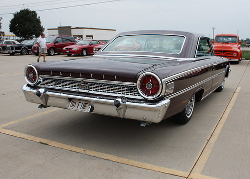 1963½ Ford Galaxie 500XL Sports Hardtop (12 of 13)