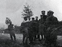 2éme bataille de la Marne - Aprés Saint Gengoulph rencontre soldats Allemands Route Chezy en Oxois - (photo VestPocket Kodak Marius Vasse 1891-1987)