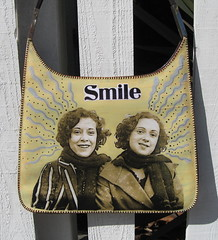 Smile Purse by pennylrichardsca (now at ipernity)