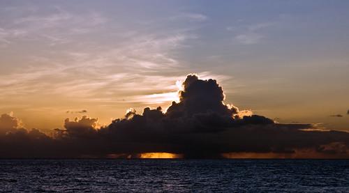 sunset sea vacation sun holiday beach strand geotagged island meer sonnenuntergang urlaub sunny barbados caribbean sonnig sonne atlanticocean atlantik burningrubber karibik canoneos400d naturewatcher geo:lat=1307784289194521 geo:lon=596118079203184
