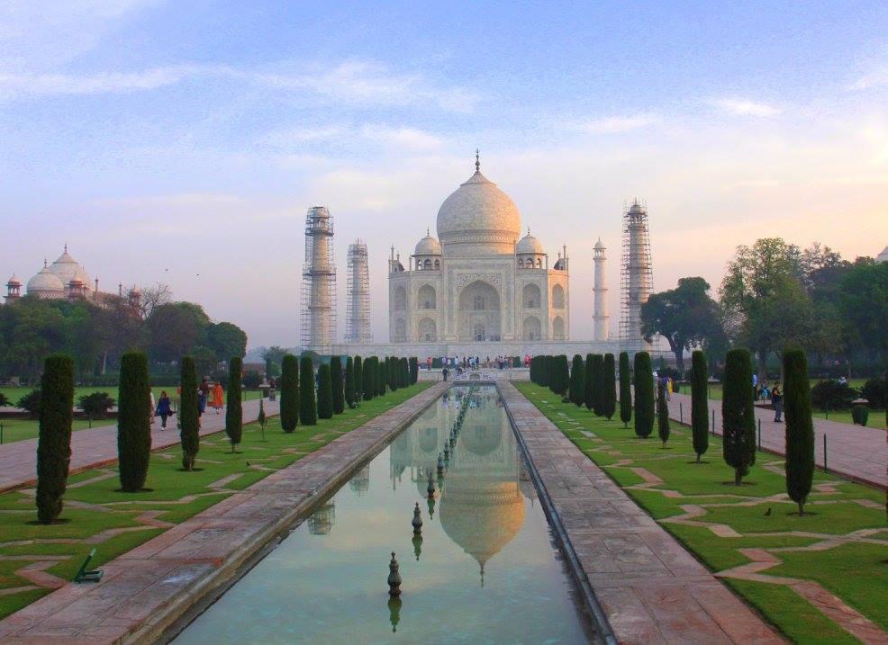 #travelbloggerindia #uttarpradeshtourism #tajmahal #offbeatplacesinagra #travelblogindia #travelblogagra