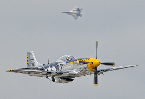 plane fighter aircraft airshow rhodeisland raptor f22 mustang usaf quonset p51 d300 unitedstatesairforce heritageflight demonstrationteam f22a 300mmf4d aircombatcommand northkingston nikonjim