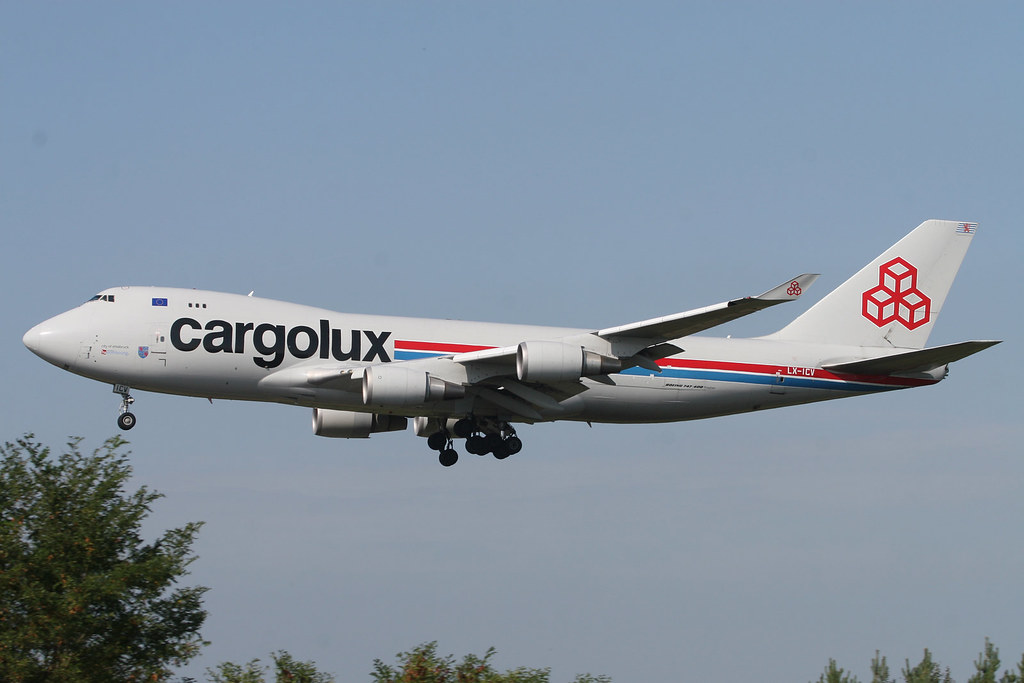 LUX-related B747s 3945247140_bf8477d820_b