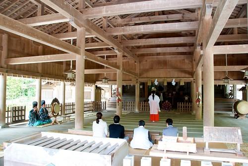 美保神社の本殿での神事