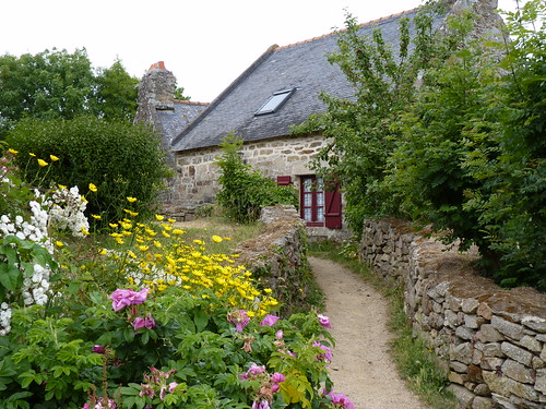 Plomarc'h à Douarnenez, Jardin traditionnel , Douarnenez, garden of a farm producing organic food, Brittany, France