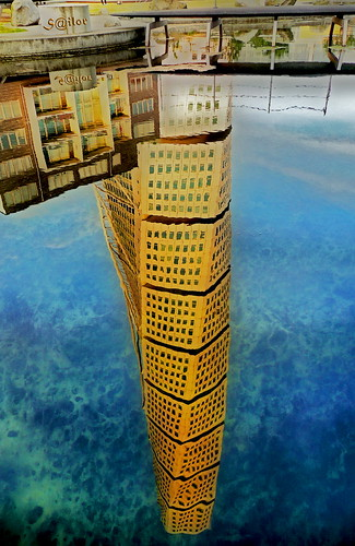 Turning Torso.        54 storage Deep