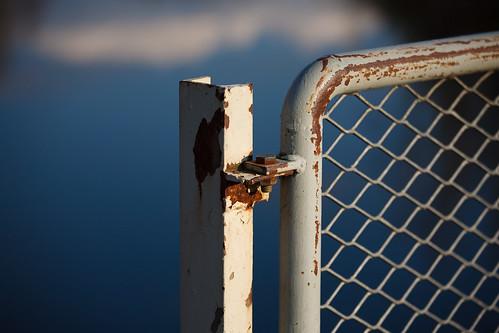 canon fence spring rust bokeh bolt 5d ef70200mmf4lisusm