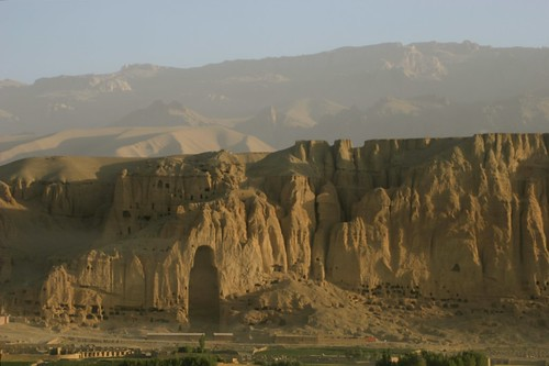 afghanistan taliban buddhas bamiyan gandhara hindukush buddhiststatues flickrelite ®kru4fotogmailcom