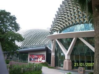 Esplanade Theatres जवळ सिंगापुर की छवि. singapore theatre esplanade theatresonthebay thebigdurian thedurian