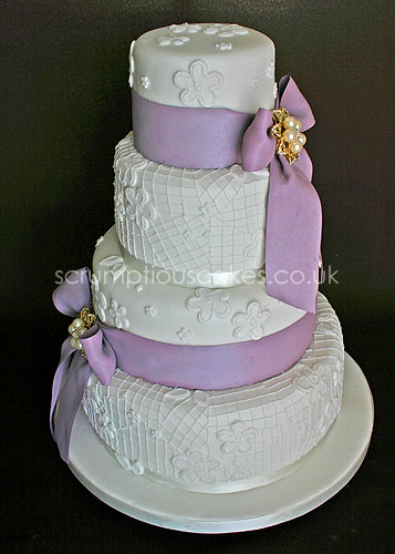 Wedding Cake 563 Piping Bows Brooches Flickr Photo Sharing