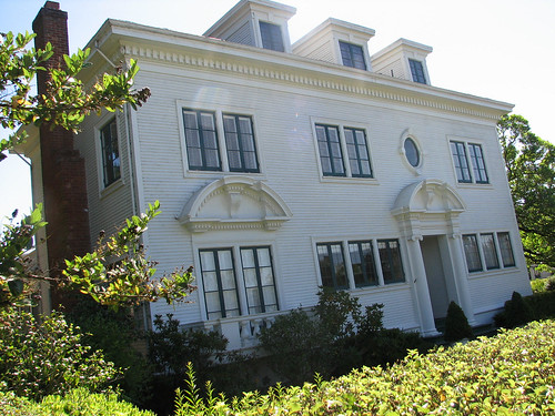 Colonial Revival Historic Architectural Style