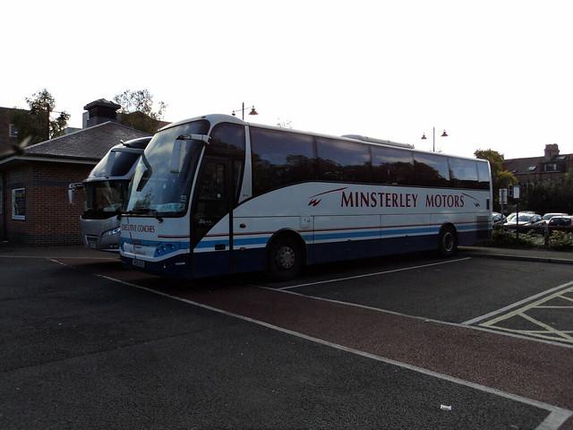 Minsterley Motors of Shrewsbury YN06NZR