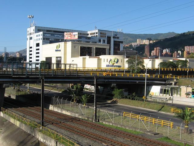 Centro Comercial Monterrey. Medellín, Antioquia